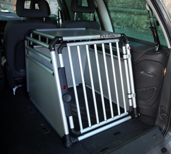 Pet-Care Hundebox setzt neue Maßstäbe beim Hundetransport | hundewelt.at